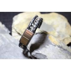 Pulseira aço com pele preta entrelaçada com malha aço com 21cm